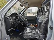 长安神琪3.2米冷藏车驾驶室内
