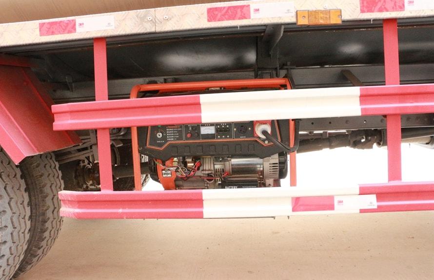 重汽金王子12吨沥青洒布车发电机图片