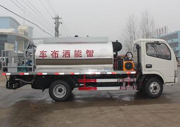 东风4吨沥青洒布车优惠促销中