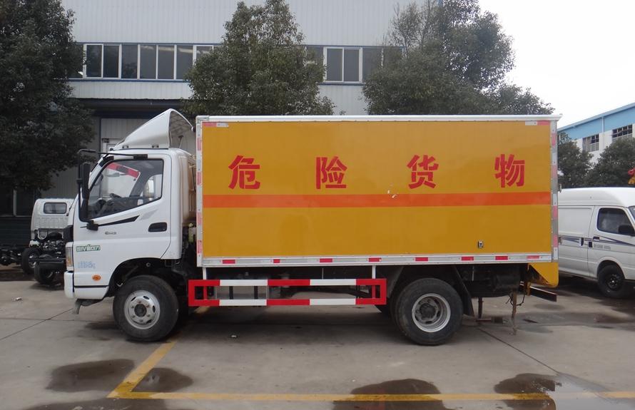 福田欧玛可易燃液体防爆运输车正侧图片