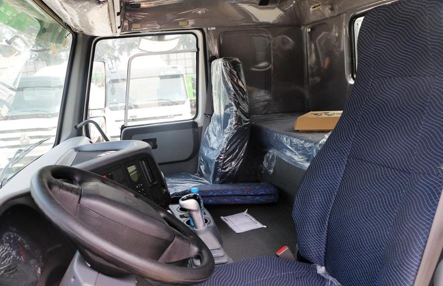 重汽前四后八16立方混凝土搅拌车驾驶室图片