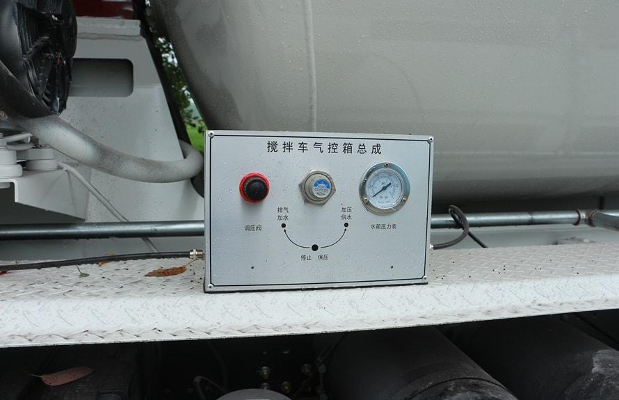 陕汽后双桥14立方混凝土搅拌车气控箱总成图片
