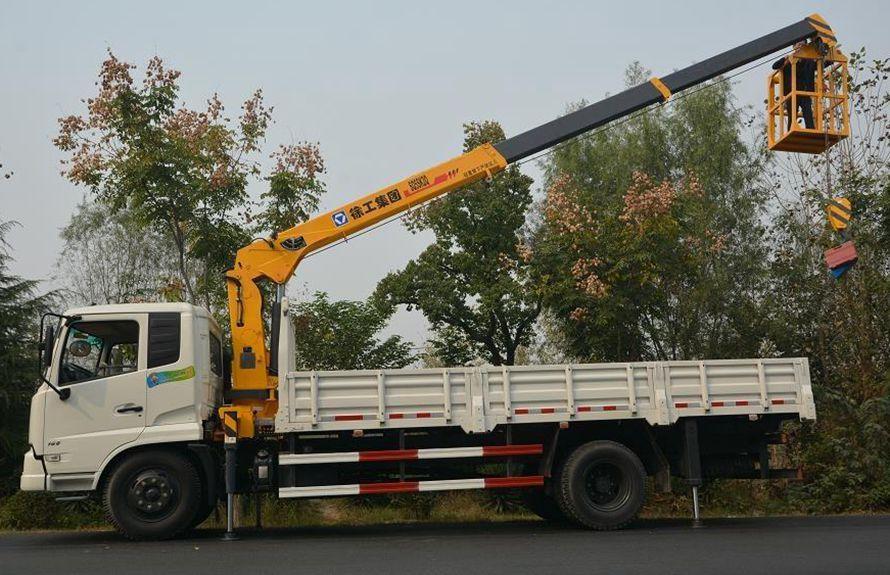 东风天锦8吨随车吊正侧图片