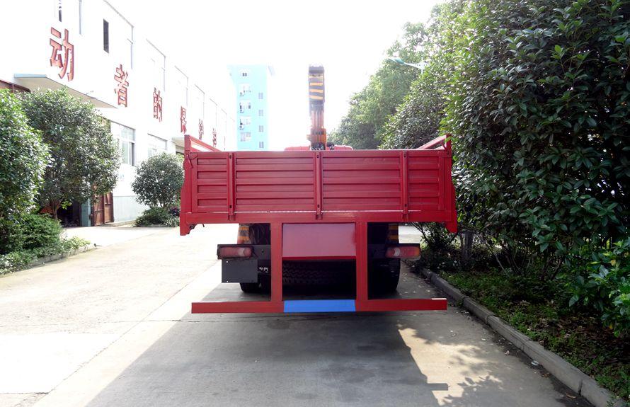 东风12吨随车吊正车尾图片