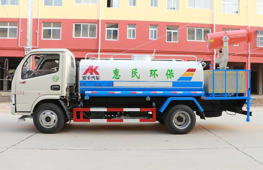 东风5吨农药喷洒车正侧图片