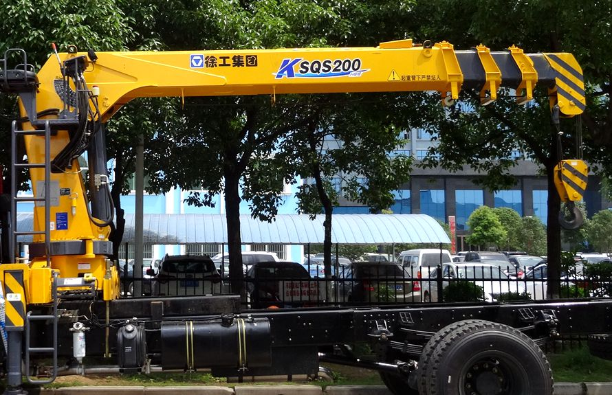 东风天锦8吨随车吊直臂吊机图片