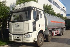 解放23吨四桥油罐车