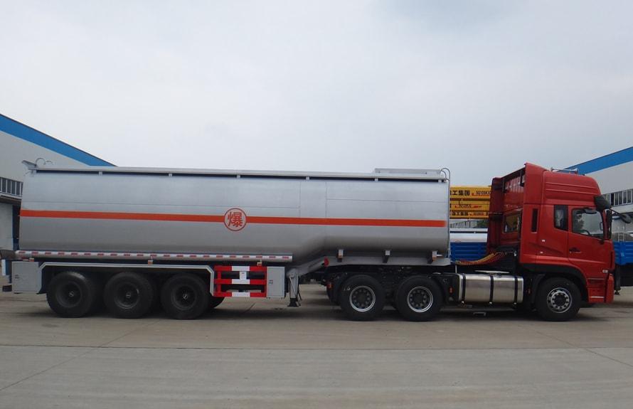 东风天龙半挂油罐车右正侧图片