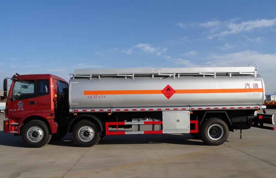 欧曼小三轴22吨油罐车正侧图片