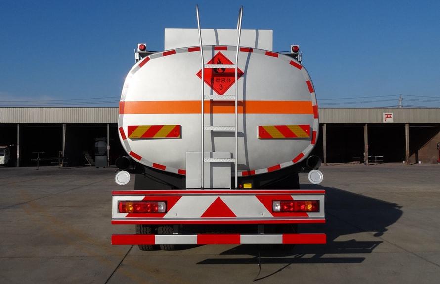 欧曼小三轴22吨油罐车车尾图片