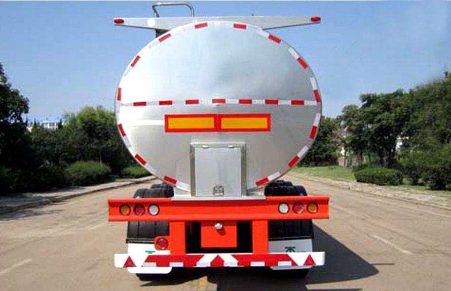 30立方鲜奶运输车正车尾图片