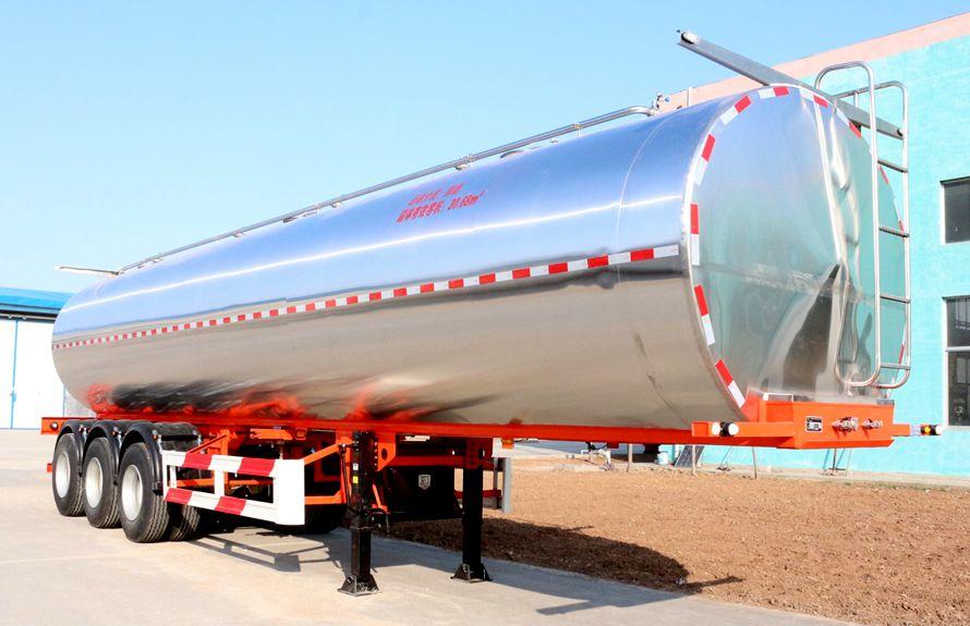 30立方鲜奶运输车右侧图片