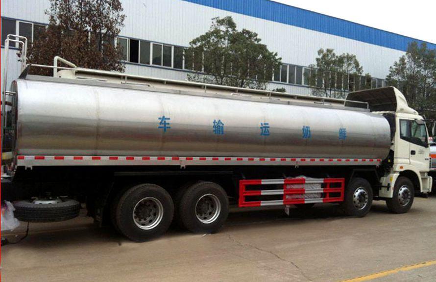 欧曼前四后八鲜奶运输车车尾向左图片