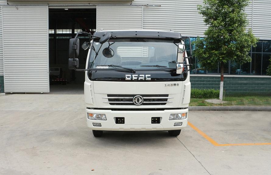 东风8吨液态食品运输车底盘车头图片