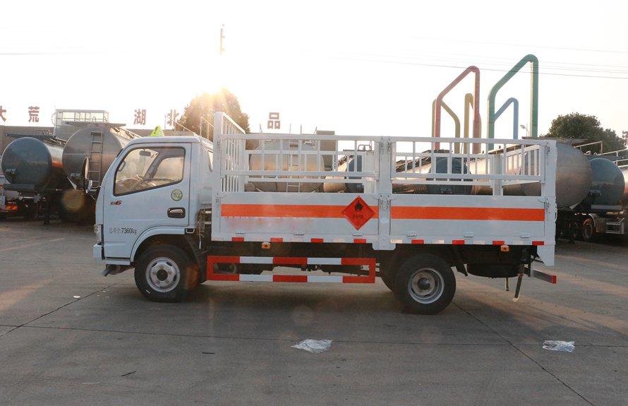 东风多利卡气罐运输车正侧图片