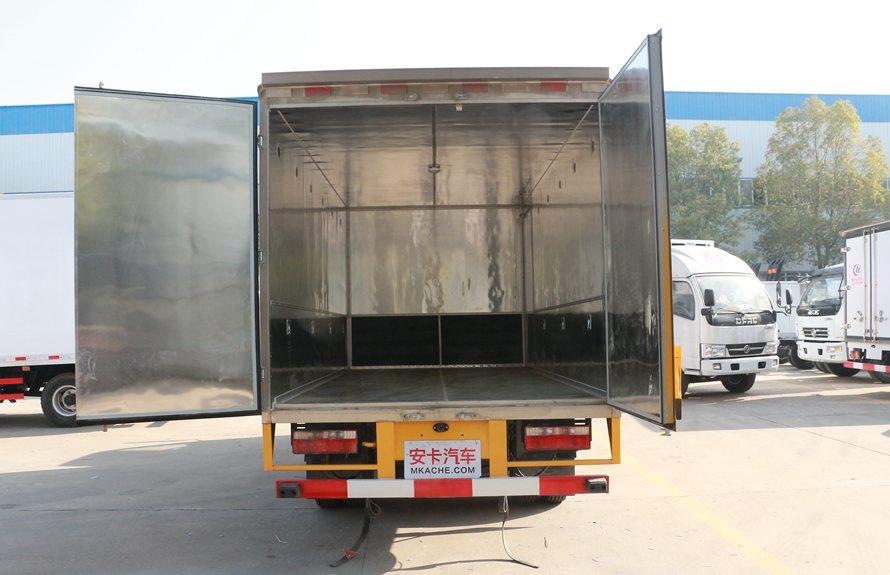 东风易燃液体防爆车厢体图片