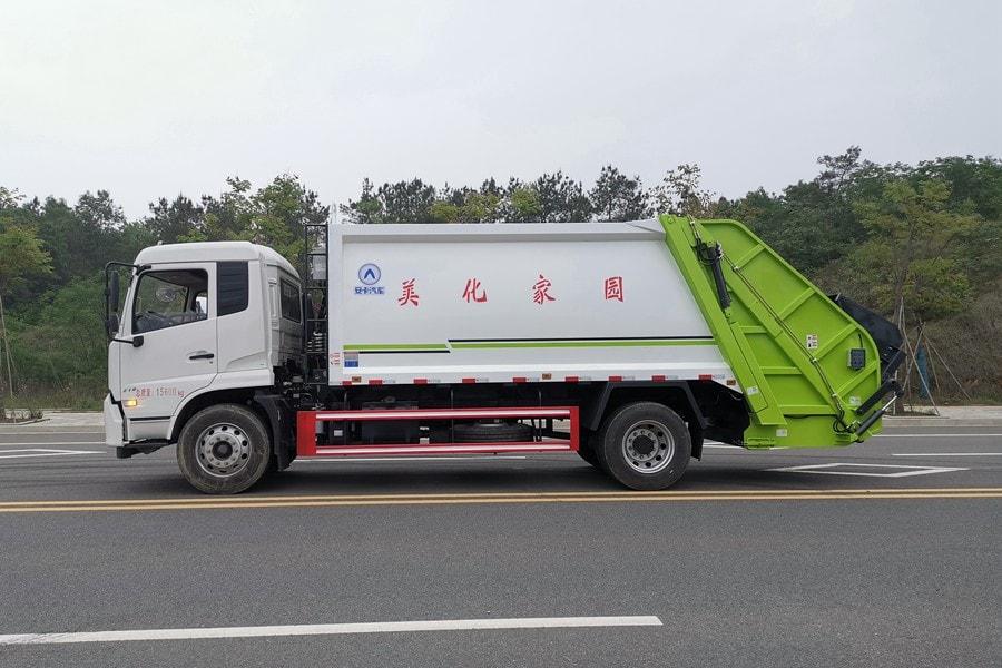 东风14方压缩式垃圾车整车外观2