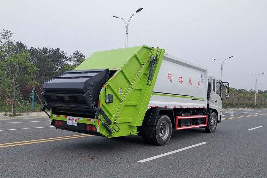 东风14方压式垃圾车整车外观5
