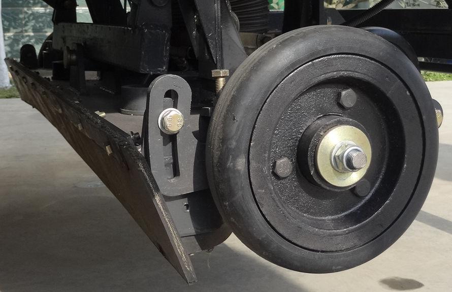 多功能道路清扫车后置超宽吸盘