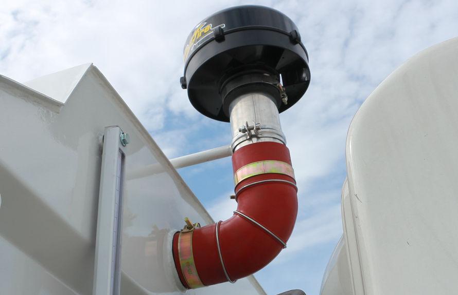 重汽8吨扫路车副发动机空气滤清器