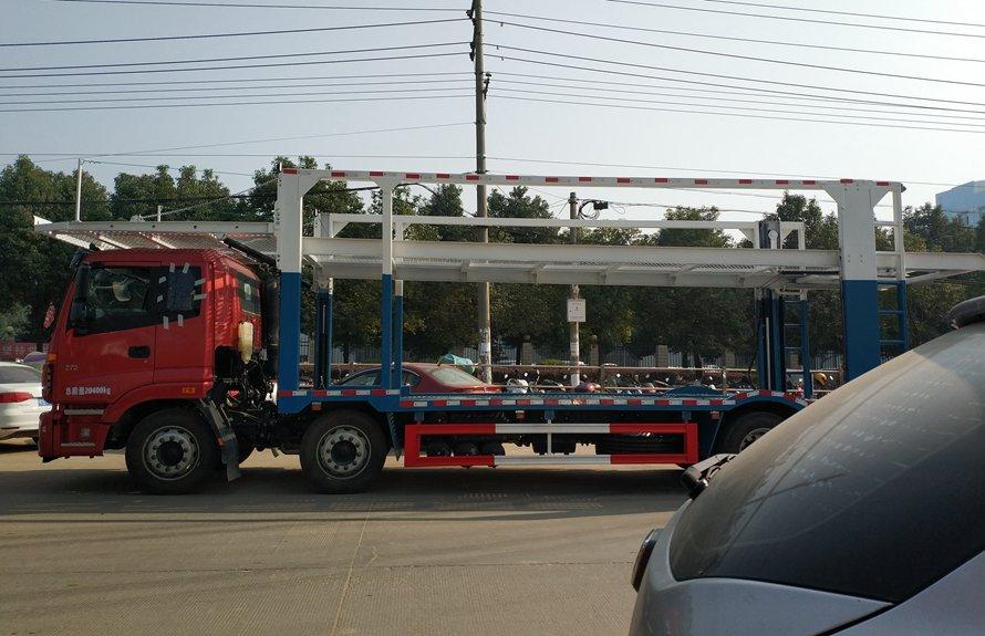 福田欧曼小三轴五位中轴轿运车辆运输车正侧