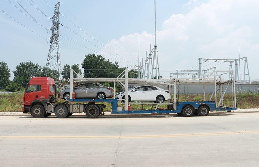 半挂六位轿运车辆运输车正侧