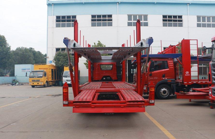 解放J6小三轴五位中轴轿运车辆运输车正后