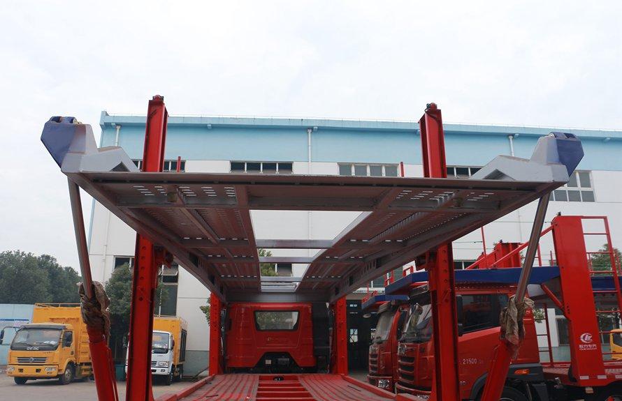 解放J6小三轴五位中轴轿运车辆运输车上板
