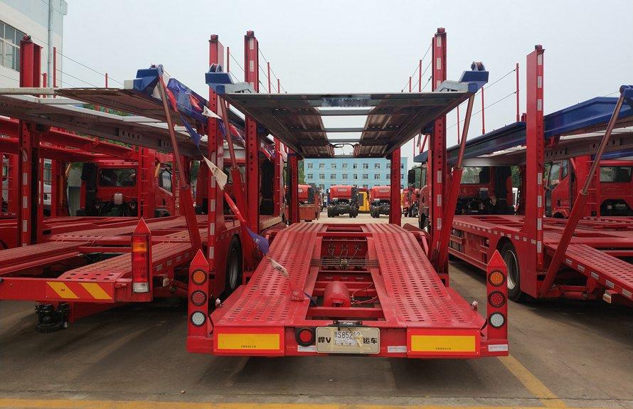 中轴半挂四位轿运车辆运输车正后