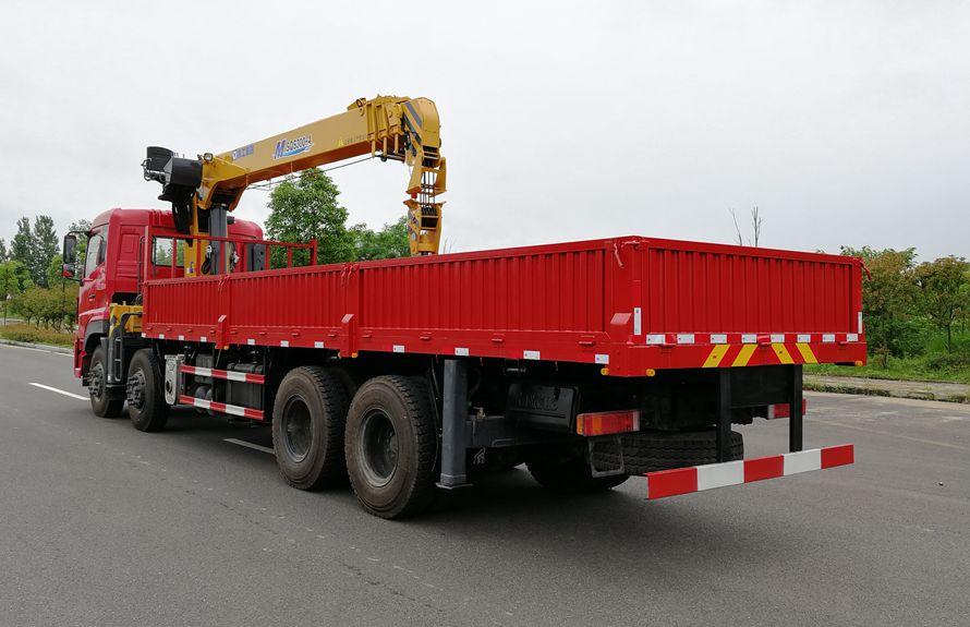 东风天龙16吨随车吊车尾向右图片
