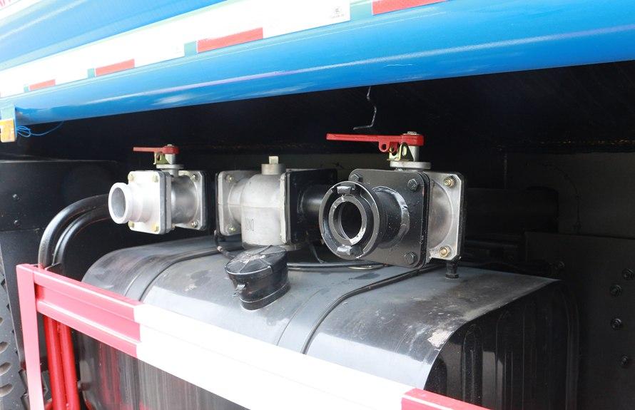 东风天龙20吨洒水车上装图片A