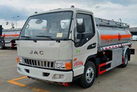 江淮5吨小型加油车