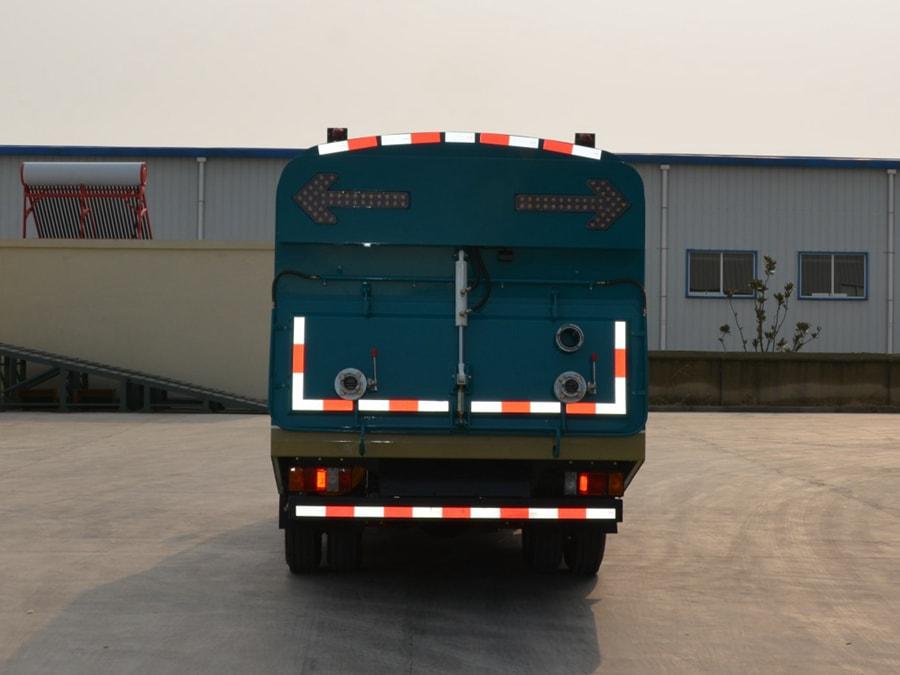 干湿两用东风小型吸尘车图片(正尾部)