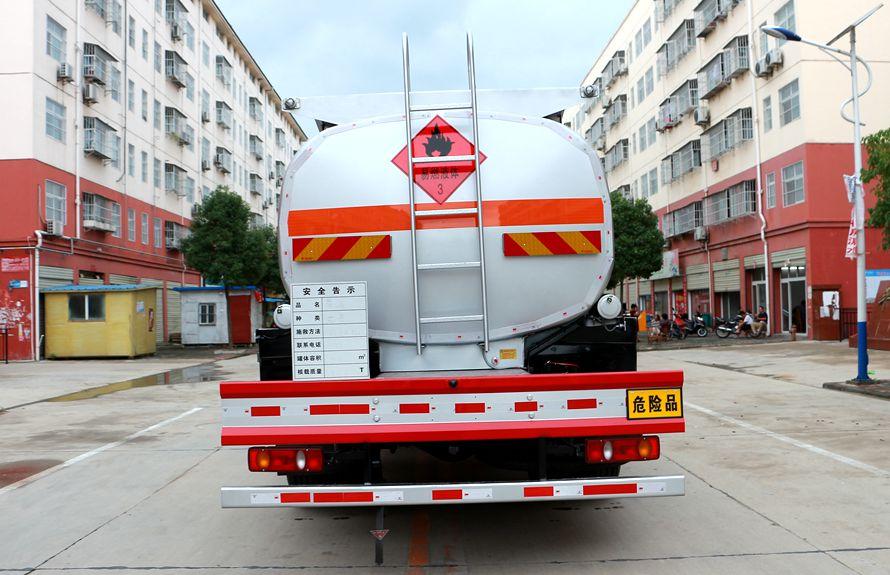 东风天锦15吨油罐车车尾图片