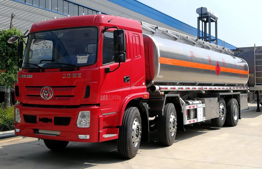 三环前四后六25吨铝合金油罐车左侧图片