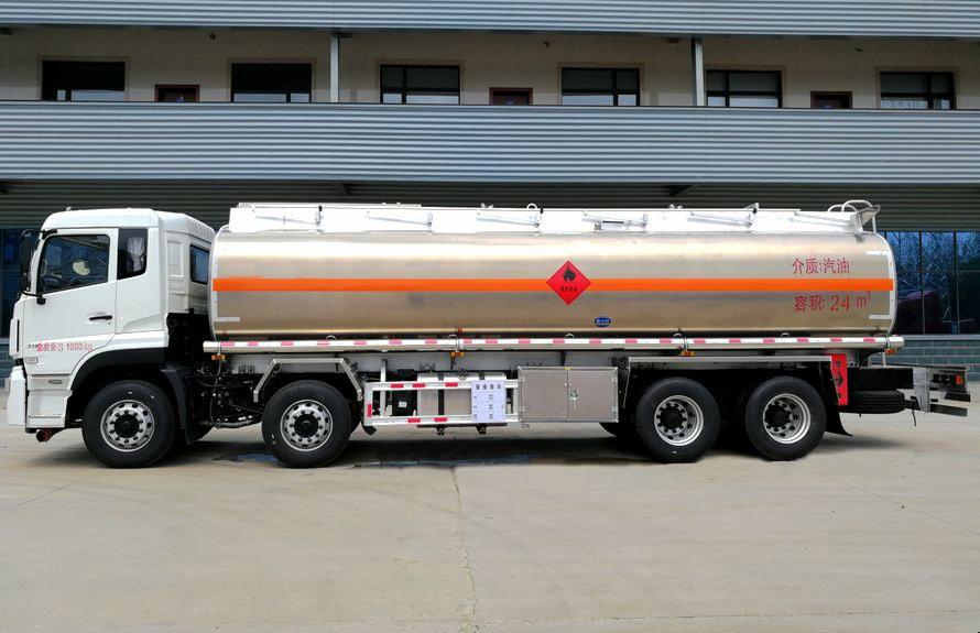 东风天龙前四后八油罐车正侧图片