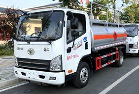 解放5吨小型加油车
