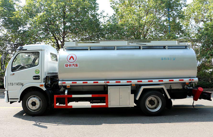 东风8吨油罐车正侧图片