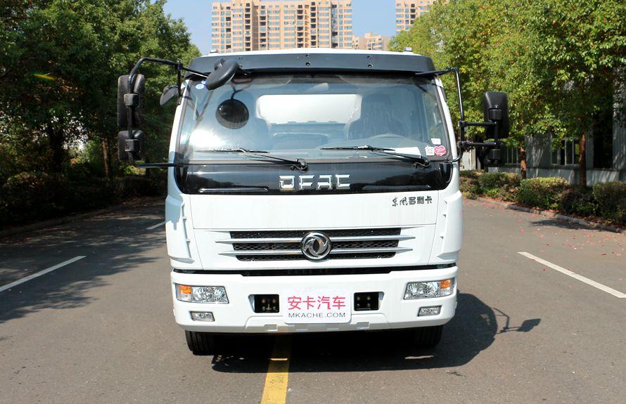 东风8吨油罐车正车头图片