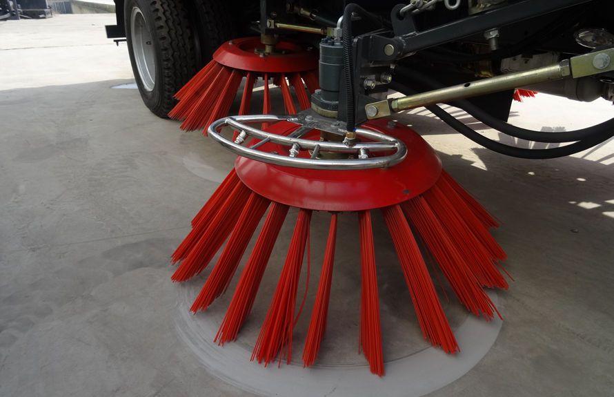 五十铃扫路车扫盘降尘系统