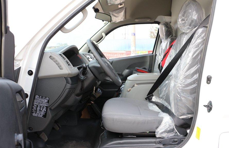 福田G7冷藏车驾驶室图片