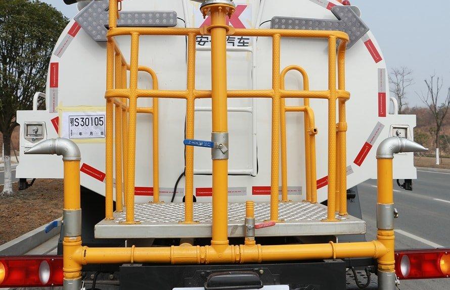 福田瑞沃12吨洒水车上装图片A