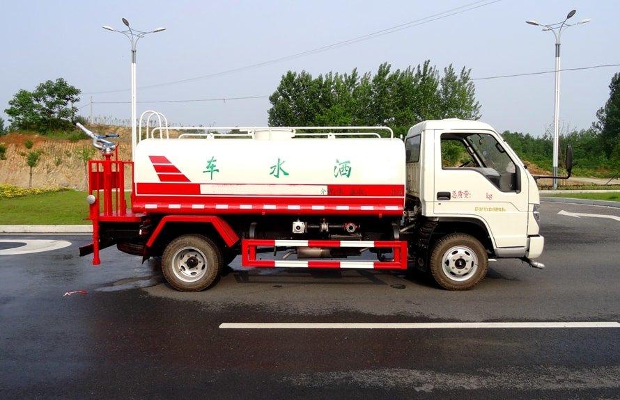福田时代3吨洒水车正侧图片