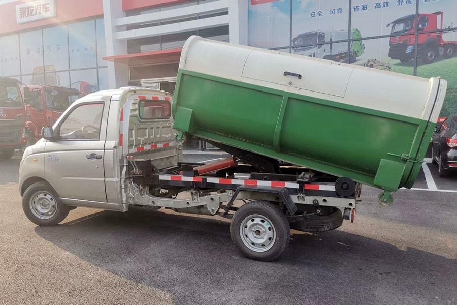 福田4方勾臂式垃圾车整车外观3