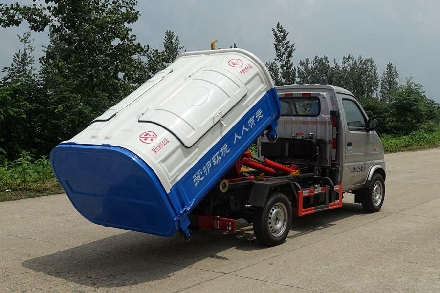 长安3方勾臂式垃圾车整车外观5