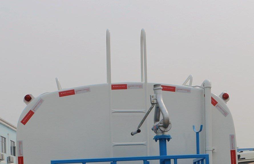 东风153 12吨洒水车上装图片D