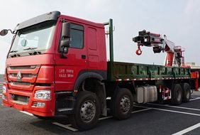 程力50吨大型随车吊