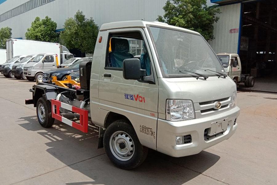 福田3方勾臂式垃圾车整车外观7