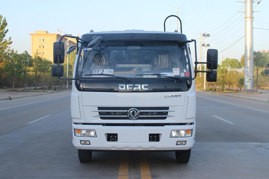 东风5吨压缩式垃圾车图片(正前)