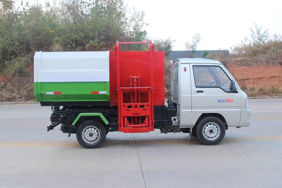 福田3方挂桶式垃圾车整车外观7
